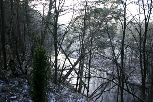Widok na dolinę rzeki Wdy zimą