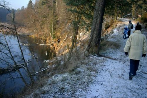 Wejście do rezerwatu - stromo z lewej